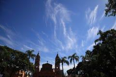 Цвета земли и неба живые Santo Angelo, RS Бразилии стоковые изображения
