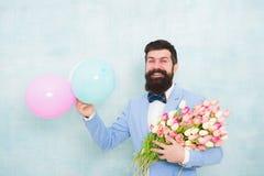 Цветет поставка Дата джентльмена романтичная игра гитары приветствиям дня рождения творческий коллега пеет 3 кто-то специальное Б стоковое фото rf