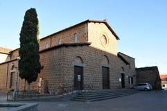 Церковь Santa Maria в городке Cerveteri, Италии стоковая фотография