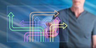 Человек касаясь цифровой концепции решения стоковые изображения rf