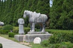 Человек лошади вычерченный каменный стоковые изображения rf
