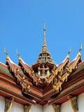 Щипец крыши в тайском стиле стоковые изображения