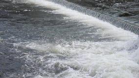 река грубое движение речных порогов быстрое воды акции видеоматериалы