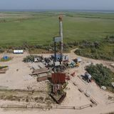 Ремонт приведения в исполнение нефтяной скважины стоковая фотография rf