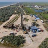 Ремонт приведения в исполнение нефтяной скважины стоковые фотографии rf