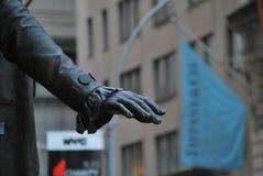 Рука Вашингтона на Уолл-Стрите стоковые изображения rf