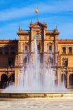 Ñ  entral fontain przy Placem De Espana i budynek Zdjęcie Royalty Free