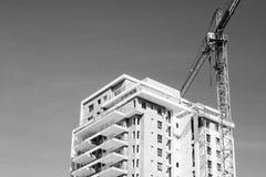 ÑAME DEL PALO, ISRAEL 3 DE MARZO DE 2018: Alto edificio residencial en el ñame del palo, Israel Fotos de archivo
