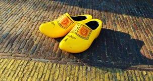 Żółci holenderów buty w Zaanse Schans wiosce, Holandia Obraz Stock