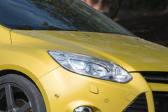 Żółci samochodowi reflektory Samochodowi powierzchowność szczegóły zdjęcie royalty free