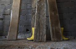 Żółci Wellington Podeszczowi buty zdjęcie royalty free