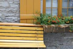 Żółta ławka Zdjęcie Stock