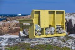 Żółta ławka wycieczkować ślad Fotografia Stock