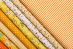 Żółta tkanina dla patchworku Zdjęcia Royalty Free