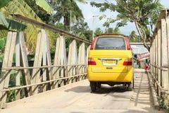 Żółty autobus transport publiczny Obraz Stock