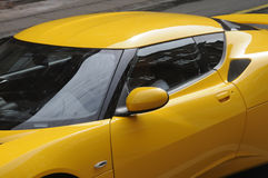 ŻÓŁTY COLOUR sportów samochód Obrazy Royalty Free