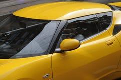 ŻÓŁTY COLOUR sportów samochód Fotografia Royalty Free