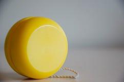 Żółty jo-jo zdjęcie stock