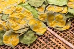 Żółty mangowy deserowy talerz obraz stock