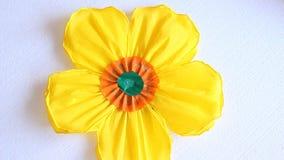 Żółty papierowy kwiat zbiory