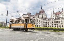 Żółty rocznika tramwaj Fotografia Royalty Free