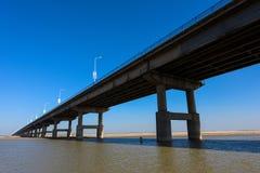 Żółty rzeka most Obrazy Stock