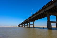 Żółty rzeka most Zdjęcia Stock
