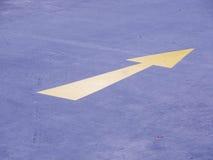 Żółty strzała znak Obrazy Stock