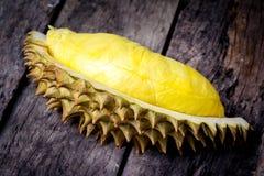 Żółty Durian na drewnianym tle Zdjęcia Royalty Free