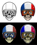 Óculos de proteção do crânio do motociclista e capacete vestindo da bandeira de França do Grunge, crânio do desenho da mão Foto de Stock Royalty Free