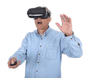 Óculos de proteção do homem e da realidade virtual Fotos de Stock Royalty Free