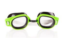 Óculos de proteção verdes plásticos para nadar Fotos de Stock Royalty Free