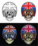 Óculos de proteção vestindo do crânio do motociclista e capacete britânico da bandeira do Grunge, crânio do desenho da mão Foto de Stock Royalty Free