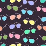 Óculos de sol coloridos teste padrão sem emenda, fundo do acessório do vetor Desenhos animados que tiram espetáculos brilhantes c ilustração royalty free