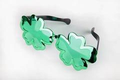 Óculos de sol do dia do ` s de St Patrick Fotos de Stock