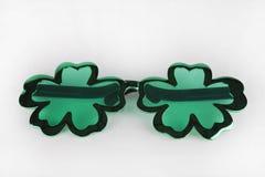Óculos de sol do dia do ` s de St Patrick Imagens de Stock Royalty Free