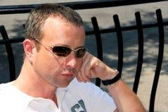 Óculos de sol do homem Fotografia de Stock