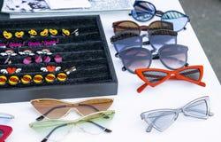 Óculos de sol do ` s das mulheres ilustração stock