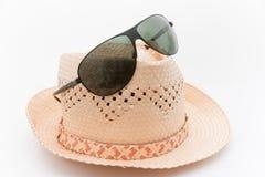 Óculos de sol e um chapéu para o verão Imagens de Stock