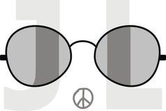 Óculos de sol no fundo das letras J e L Fotografia de Stock Royalty Free