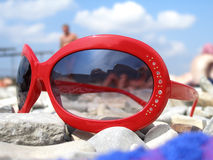 Óculos de sol vermelhos Imagem de Stock Royalty Free