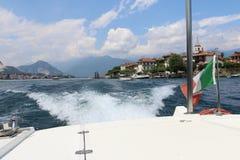 Łódkowata wycieczka na jeziornym lago Maggiore obraz royalty free