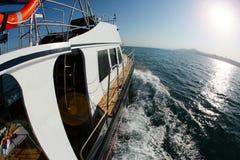 Łódkowata wycieczka na wysokich morzach Fotografia Royalty Free