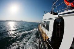 Łódkowata wycieczka na wysokich morzach Fotografia Stock