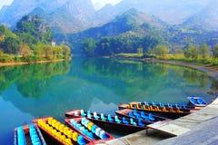 łódkowate góry rzeczne Zdjęcie Stock
