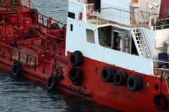łódkowaty czerwony zbiornik Zdjęcie Stock