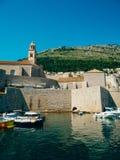 Łódkowaty dok blisko starego miasta Dubrovnik, Chorwacja Harbo Zdjęcia Stock