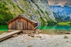 Łódkowaty dok na Obersee wysokogórskim jeziorze, Berchtesgaden, Bavaria, Niemcy, Europa Fotografia Stock