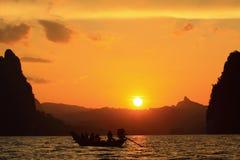 łódkowaty jeziorny zmierzch Obraz Royalty Free