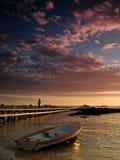 Łódkowaty pobliski jetty Fotografia Royalty Free